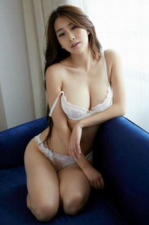 Escort Akiko from Tottenham Court Road
